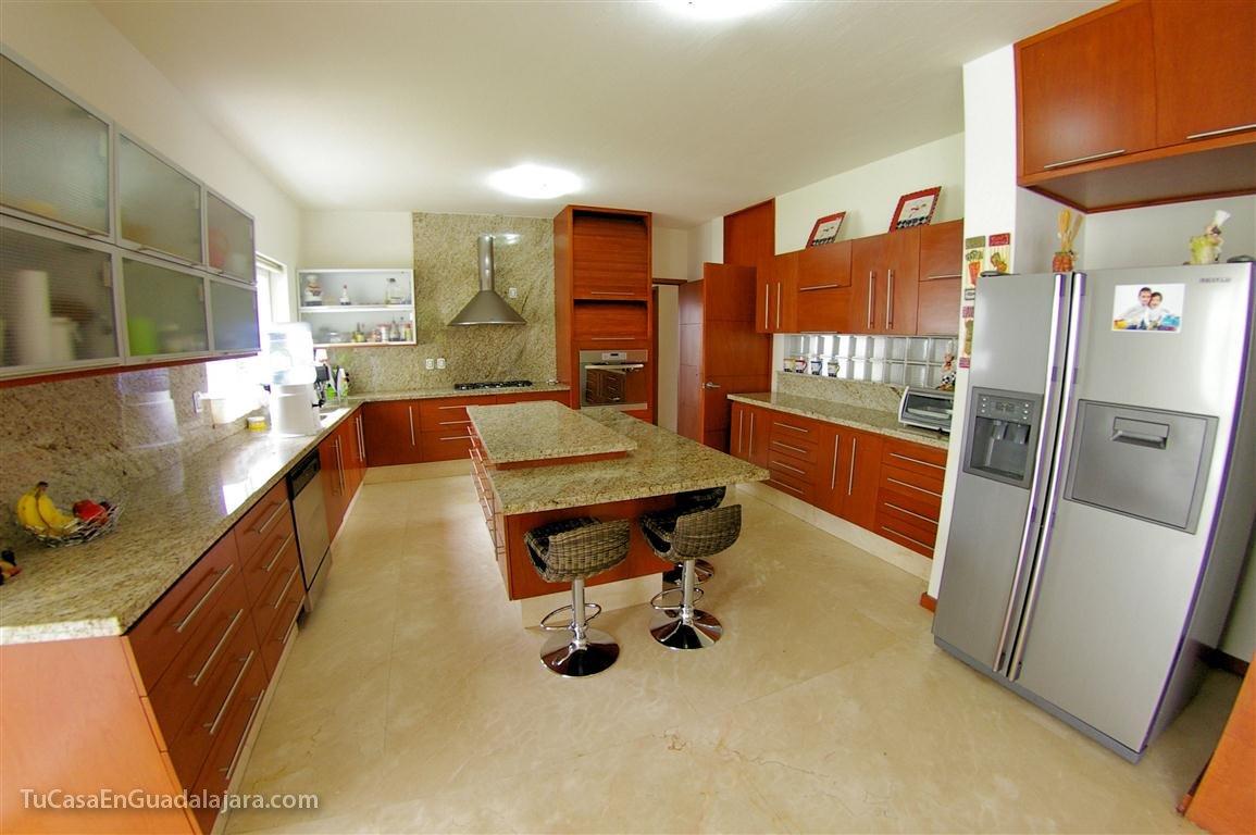Cocinas de casas en guadalajara zapopan y tlajomulco for Cocinas modernas apartamentos