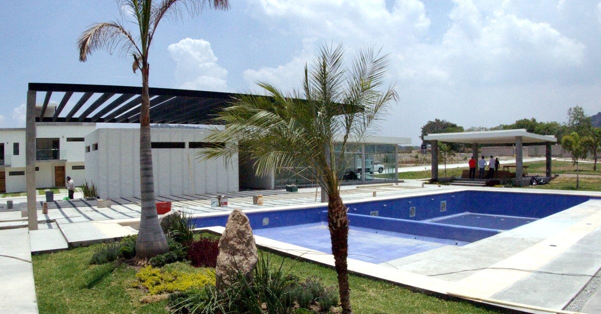 Triventi residencial fraccionamientos en guadalajara for Alberca residencial